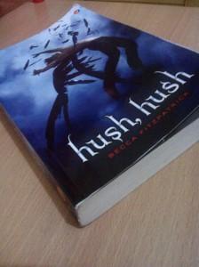 Cover depan Hush, Hush - Becca Fitzpatrick