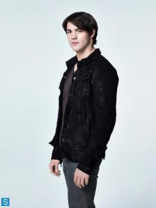 Steven R McQueen as Jeremy Gilbert