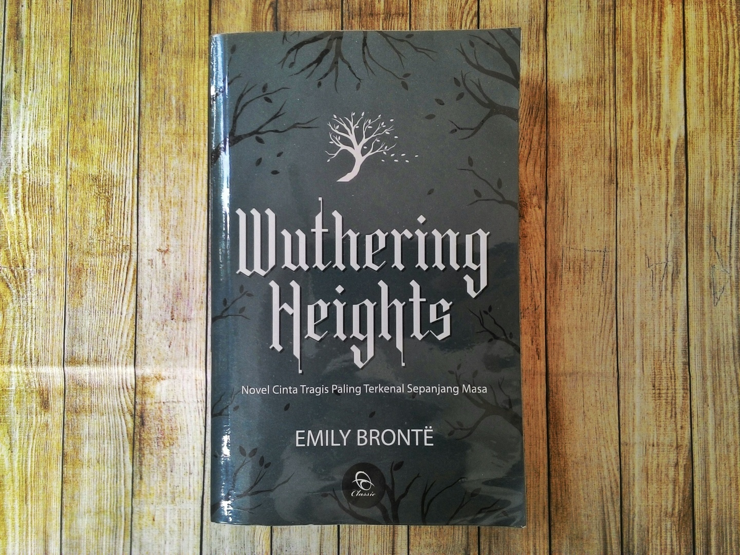 Wthering Heights by Emily Bronte